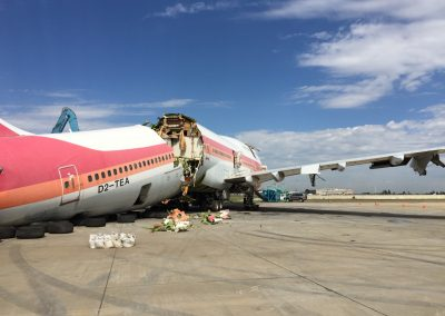TAAG Boeing 747-300